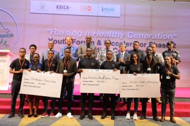 Top 3 awarded solutions of iAccelerator Phase II  awarded by the First Lady of Rwanda and key government and partner Representatives